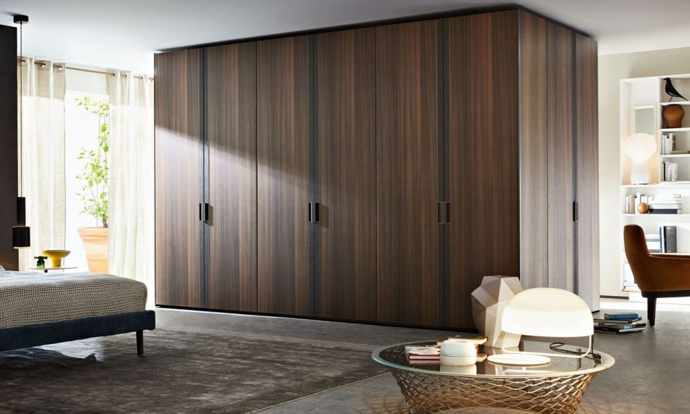 Gliss Master Strip Hinged Door Wardrobe Molteni & C